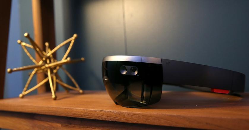 Microsoft HoloLens pojawi się w polskich sklepach 1 grudnia 2017 roku
