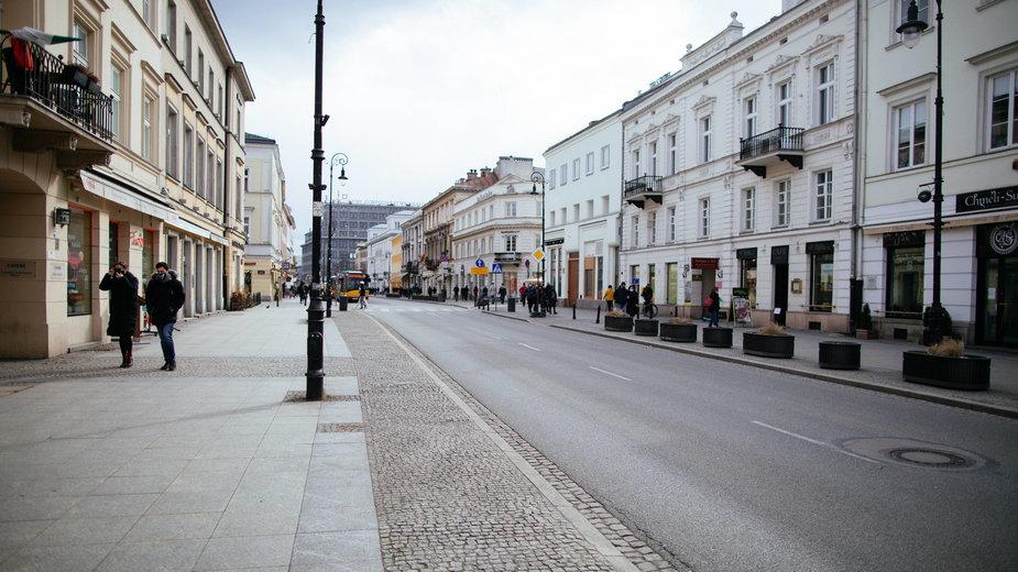 Obostrzenia w Polsce wywołały opustoszałe ulice miast