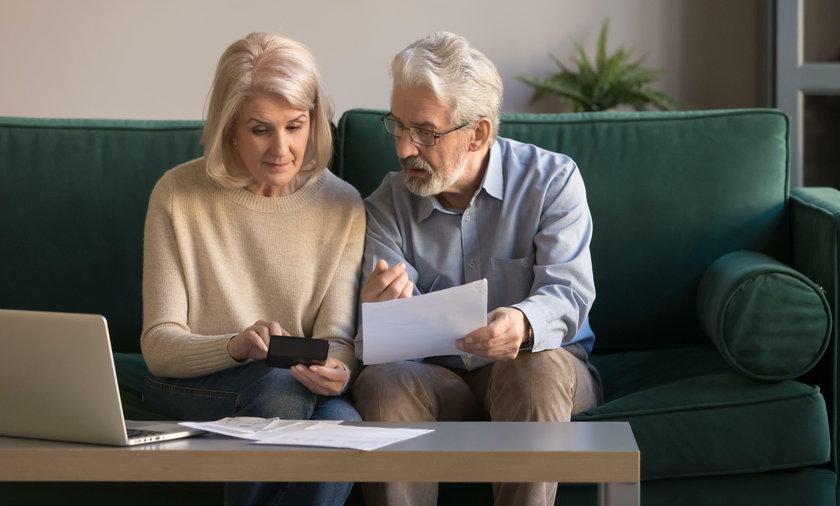 Będą zmiany w waloryzacji. Co najmniej 130 zł podwyżki dla emerytów?!