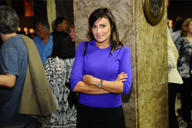 Biljana Srbljanović na otvaranju izložbe Henrija Mura