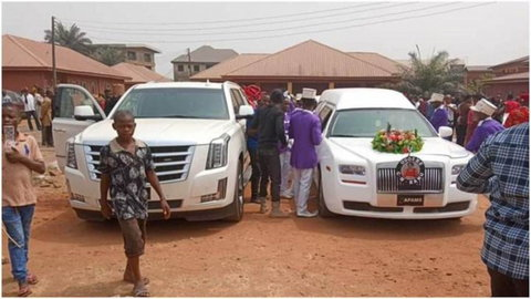 The arrival of Nnamdi Kanu's parents bodies for burial on Friday, February 14, 2020, at Afaraukwu community in Abia state.  (Naija News)