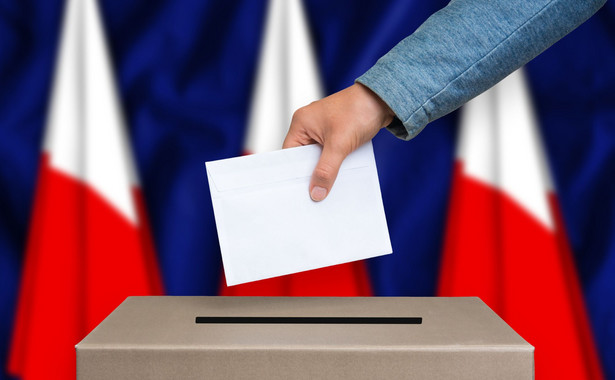 Zgodnie z przewidywaniami PiS nie odpuścił koncepcji dwukadencyjności wójtów, burmistrzów i prezydentów miast.