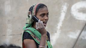 Zakaz używania telefonów komórkowych przez niezamężne kobiety w Indiach