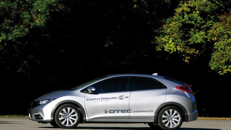 Samochód z nowym silnikiem wysokoprężnym zadebiutuje pod koniec września w czasie salonu samochodowego w Paryżu - na rynku pod koniec 2012 roku
