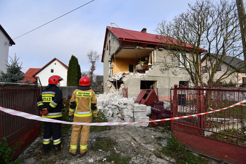 Wybuch gazu w domu jednorodzinnym w Łukowej. Dwie osoby zostały ranne