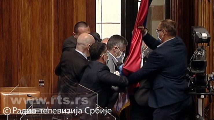 Izbacivanje Boška Obradovića iz skupštine