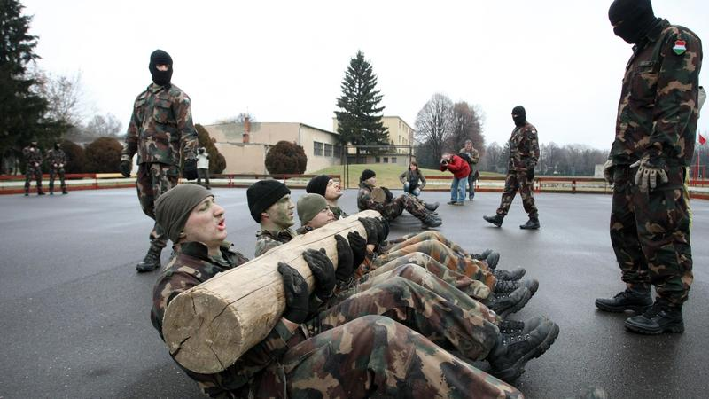 a4aca18d52 A katonai szolgálatra jelentkezők féléves kiképzést kapnak, a speciális  egységekhez jelentkezők még hosszabbat is