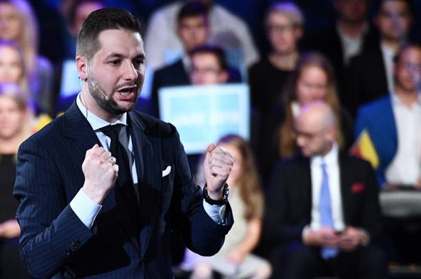 Kandydat Zjednoczonej Prawicy na prezydenta stolicy Patryk Jaki podczas spotkania wyborczego PiS w Warszawie.
