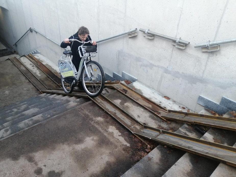Mieszkańcy Łowicza narzekają na przejście podziemne
