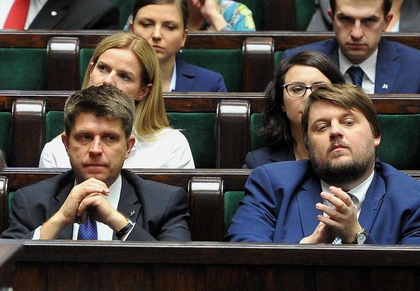 Petru i Schetyna kłucą się o Kamilę Gasiuk-Pihowicz