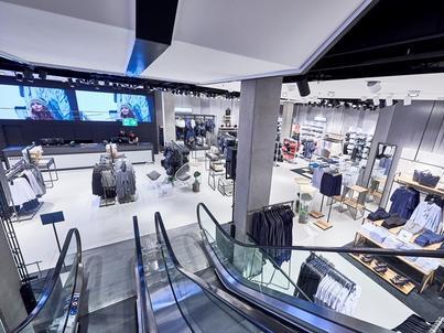 LPP zwiększa przychody z e-commerce – po 9 miesiącach br. ich wartość wyniosła 100 mln zł, co stanowi wzrost o 103 proc. rdr.