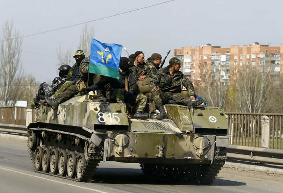 Ukrajinski vojnici na ulicama Kramatorska