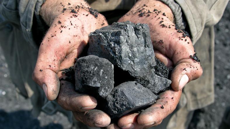 W zapisach ustawy mają się znaleźć przepisy dotyczące ograniczenia importu węgla do Polski