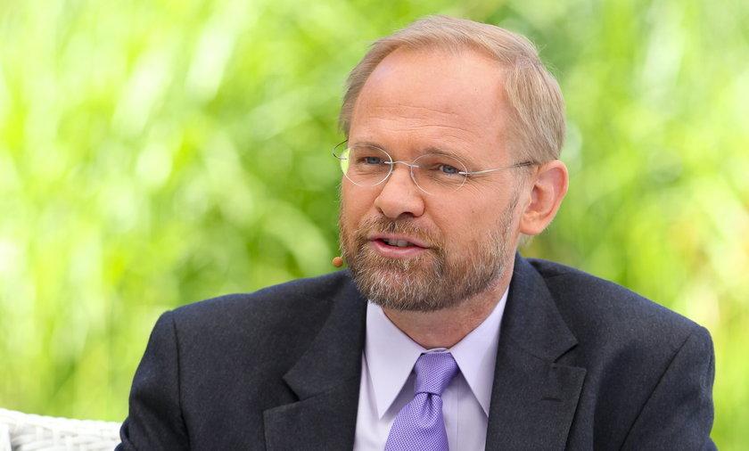 Kalifornia. Polski lekarz dr Mariusz Wirga zaszczepił się na koronawirusa