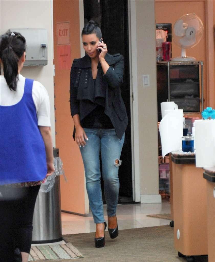 Kardashian dba o swe pazurki