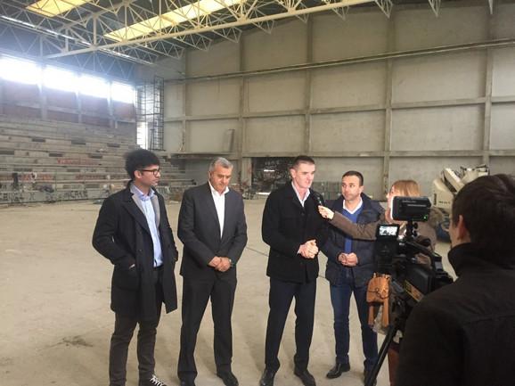 Darko Stanić, Božidar Đurković, Predrag Peruničić i Boban Janković pred novinarima u hali u Mionici