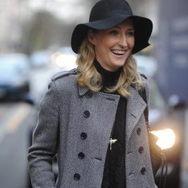 Dawno niewidziana Anita Lipnicka w modnym płaszczu na ulicy