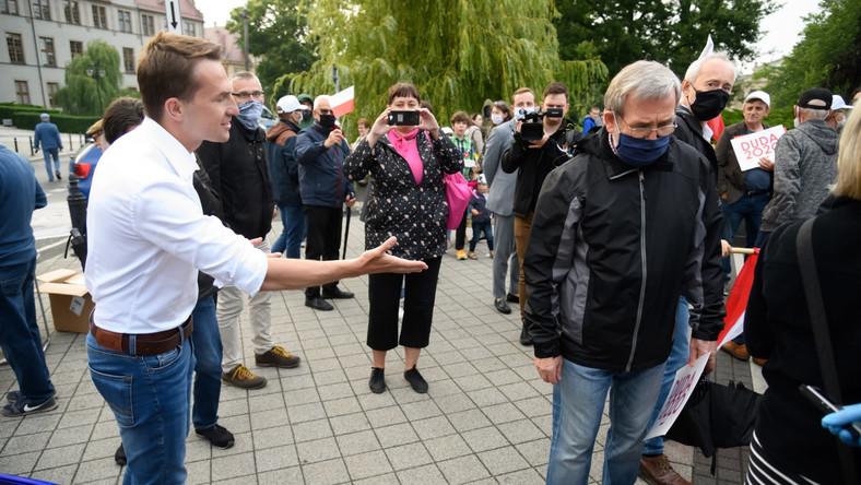 Poseł Adam Szłapka na wiecu poparcia wobec Andrzeja Dudy