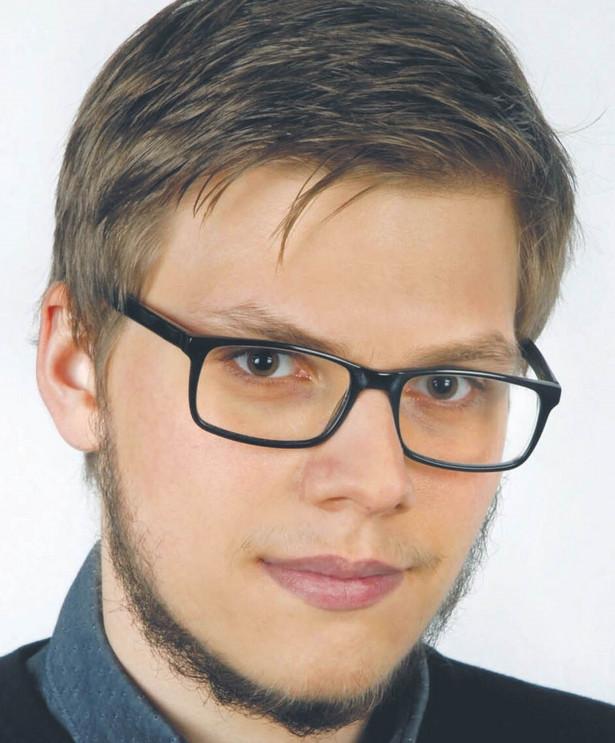 Jakub Krawczyk, pracownik naukowy Katedry Prawa Administracyjnego Uniwersytetu Jagiellońskiego, autor badań na temat prawnej reglamentacji umieszczania w przestrzeni publicznej treści mogących budzić kontrowersje