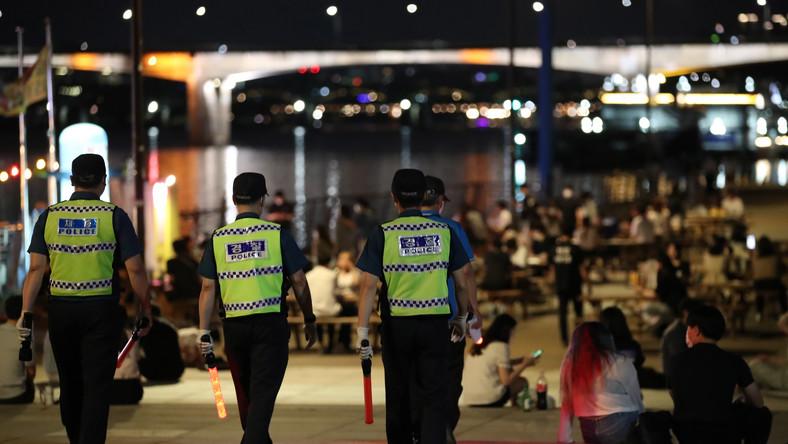 Patrol policji w Seulu