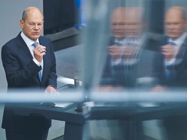W przedwyborczych sondażach od kilku tygodni prowadzą socjaldemokraci, a kanclerzem może zostać szef SPD Olaf Scholz