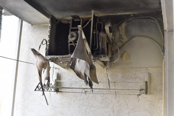 Klima uređaj je potpuno izgoreo, ali se vatra nije proširila na ostatak stana