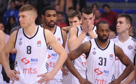Tužna lica košarkaša Partizana