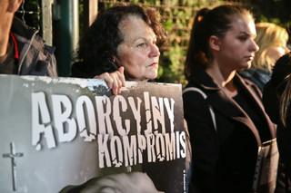 Użycie symbolu Solidarności w czasie czarnego protestu nie było naruszeniem prawa