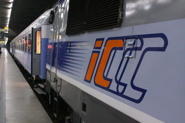 PKP Intercity przewiozło w tym roku mniej pasażerów.
