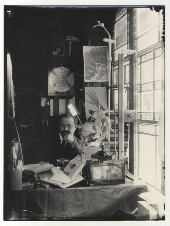 Đorđe Stanojević u radnom kabinetu