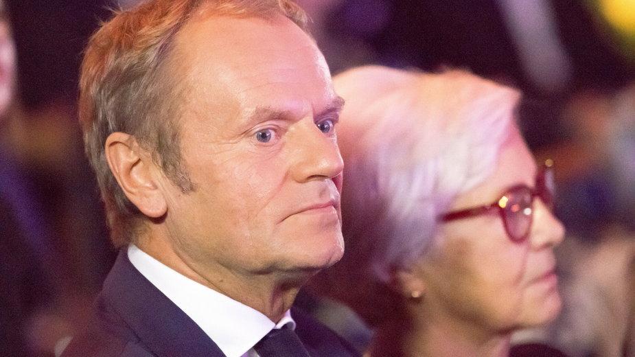 Donald Tusk podczas ceremonii wręczenia Medali Wolności Słowa