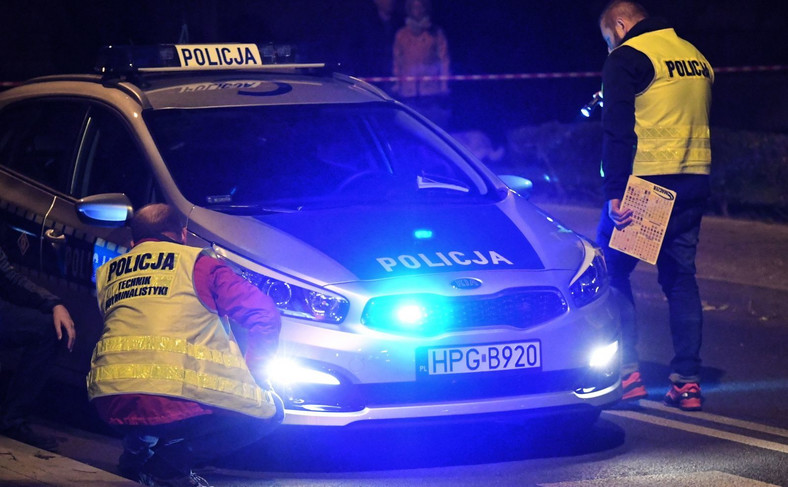 Oględziny radiowozu policyjnego uczestniczącego w kolizji