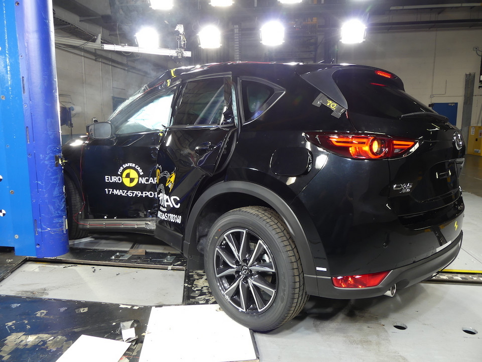 Mazda CX-5 - crash-test