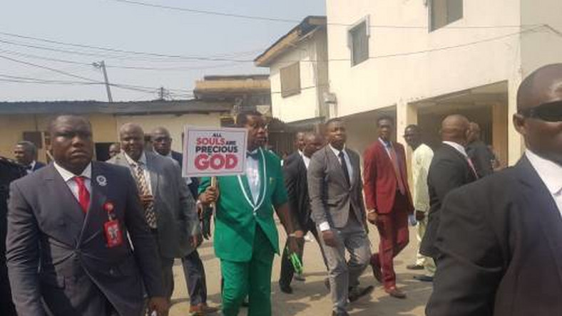 Pastor Enoch Adeboye and church members protesting against killings and insecurity in Nigeria on Sunday, February 2, 2020. (Saharareporters)