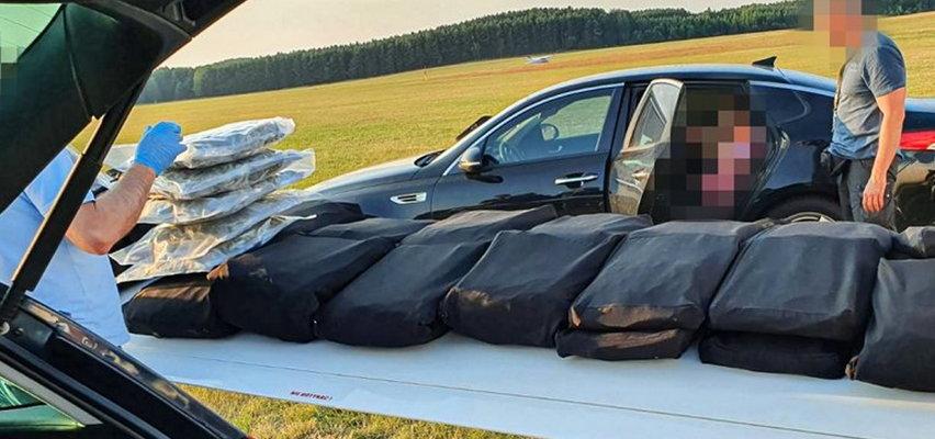 Samolot pełen narkotyków wylądował na lotnisku w Przylepie