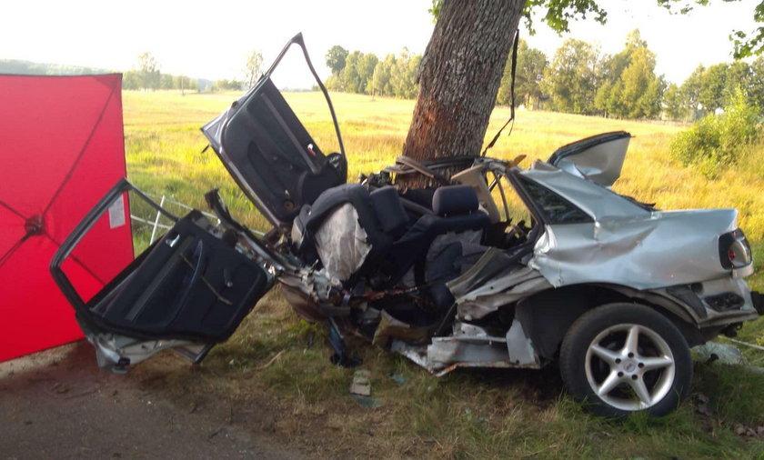 Szczecinek. 15-latek zginął za kierownicą w miejscowości Kołtki