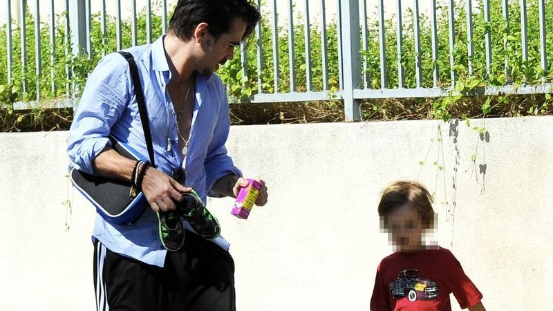 Colin Farrell na spacerze z synkiem