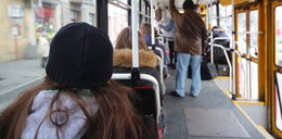 Dewiant grasuje w tramwajach