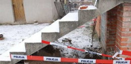 Zwłoki kobiety pod schodami. Zabiła synowa!
