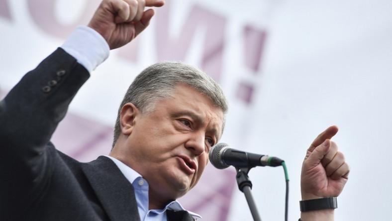 "Ukraine's former president Petro Poroshenko says a fresh investigation is an attempt ""to intimidate"" him"