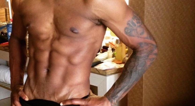 Usher is hot and shirtless