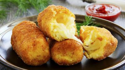 Voici comment faire des croquettes de pommes de terre au fromage