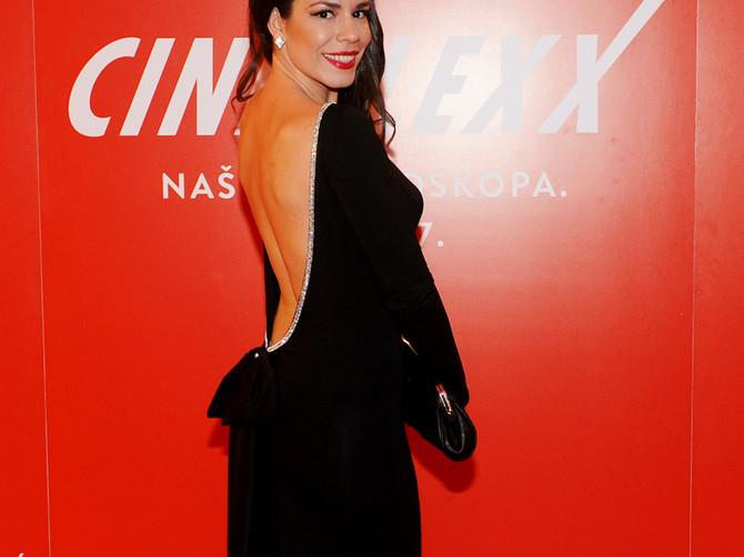 Glumica  Dušica Novaković  zasijala na crvenom tepihu: Nije seksi samo ono što je kratko