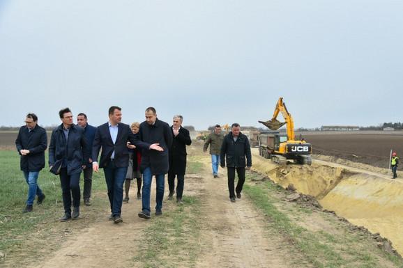 Mirović u obilisaku kanala u izgradnji