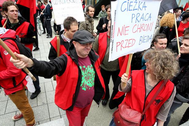 Demonstracje i wiec z okazji Dnia Prekariatu, PAP/Tomasz Gzell