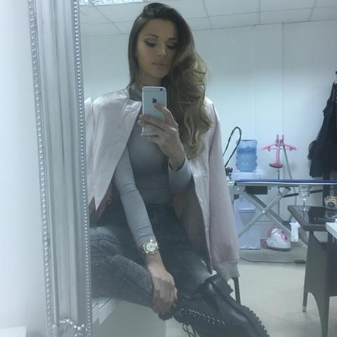 Bivša ljubavnica Aleksandra Kolarova izgledom sve ostavlja bez teksta!