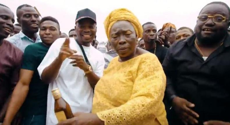 Olamide reps the streets in 'Wo' video