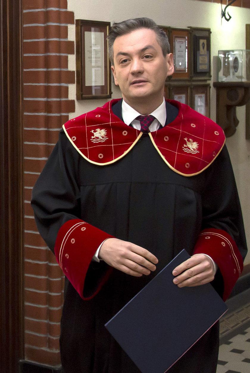 Robert Biedroń jest pomysłodawcą i wieloletnim prezesem Kampanii Przeciw Homofobii