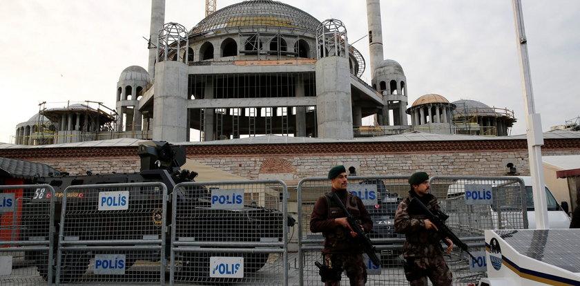 75 tysięcy aresztowań w Turcji