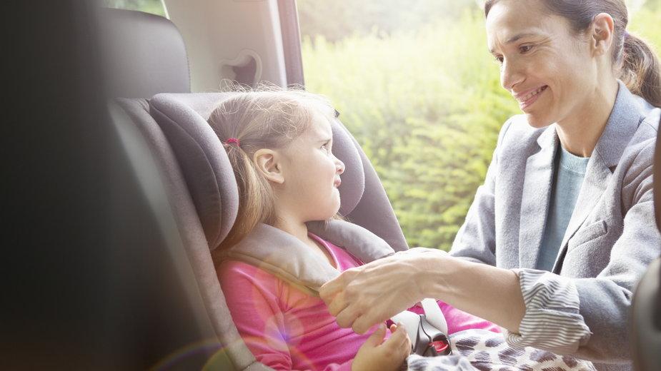 Fotelik samochodowy – dlaczego jest tak ważny i na co zwrócić uwagę przed zakupem?